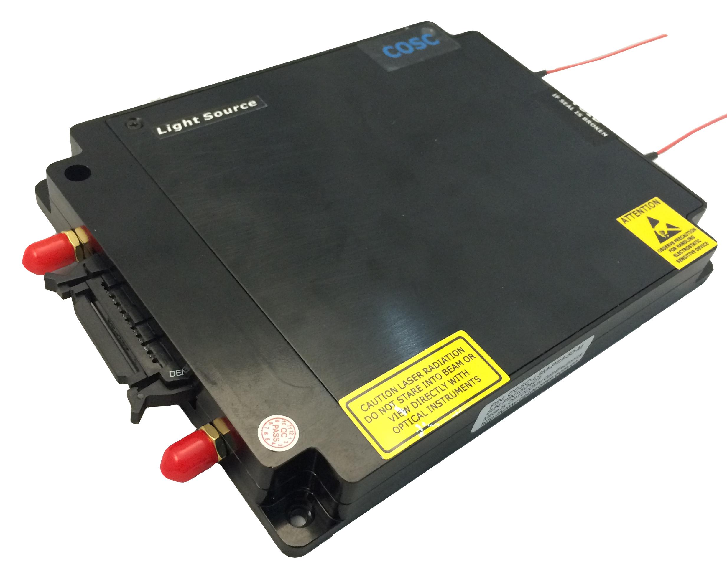 低失真长脉冲高功率铒镱共掺光纤激光器