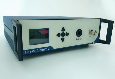 C波段高功率铒镱共掺光纤放大器